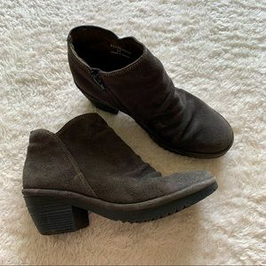 Fly London comfy heeled suede ankle boots
